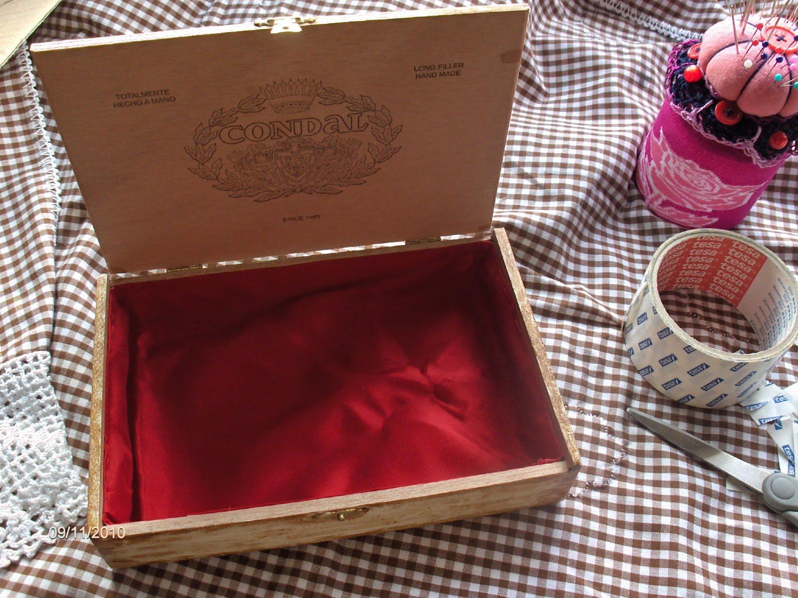 Aprendiz truco forrar el interior de una caja de madera - Forrar cajas de carton con telas ...