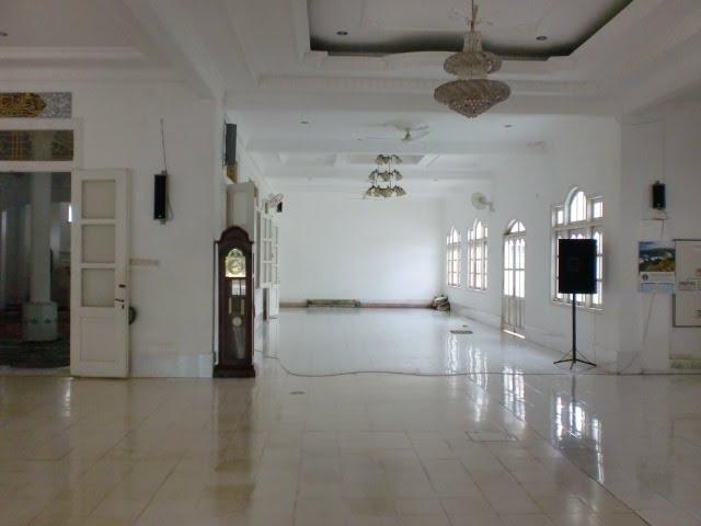 Masjid Jami' SangkapuraRencana Ganti Keramik Lantai Dan Dinding Onyx