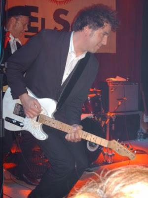 Greg con la guitarra de Los Chicos
