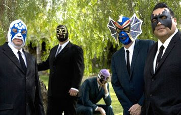 Big Sandy (Batman gordo)y Los Straitjackets