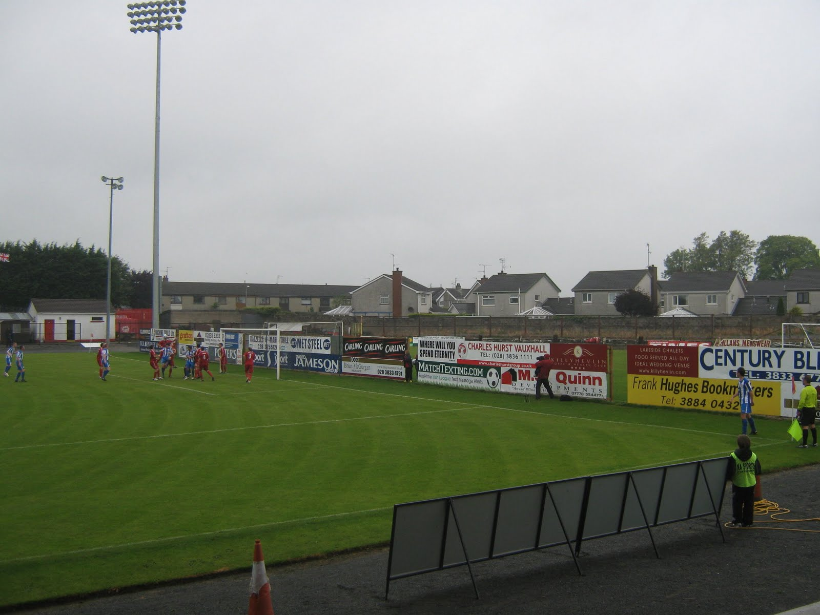 this game was between two teams in the lower reaches of the table portadown had gained four points from their opening four games and in midweek