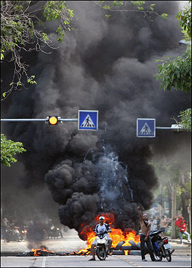 Bangkok Red Shirts Protest Riots