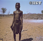 Criana Himba (Cunene)