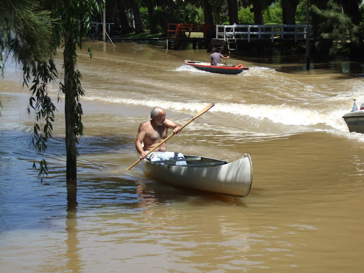 Alejandro practicando canotaje