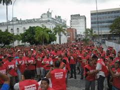 Na Praça Fausto Cardoso