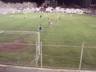 Brasa no lance do 2º golo - Foto de José Luís Silva