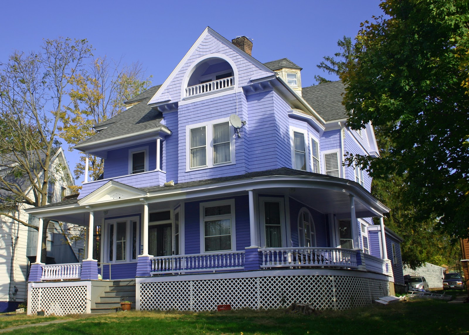 Naples and hartford in season victorians for Blue house builders