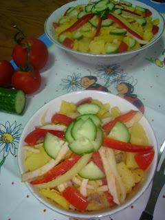 Articole culinare : Salata cu sunca de pui si bacon