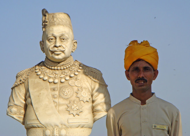 Statue of a Maharajah - and his friend