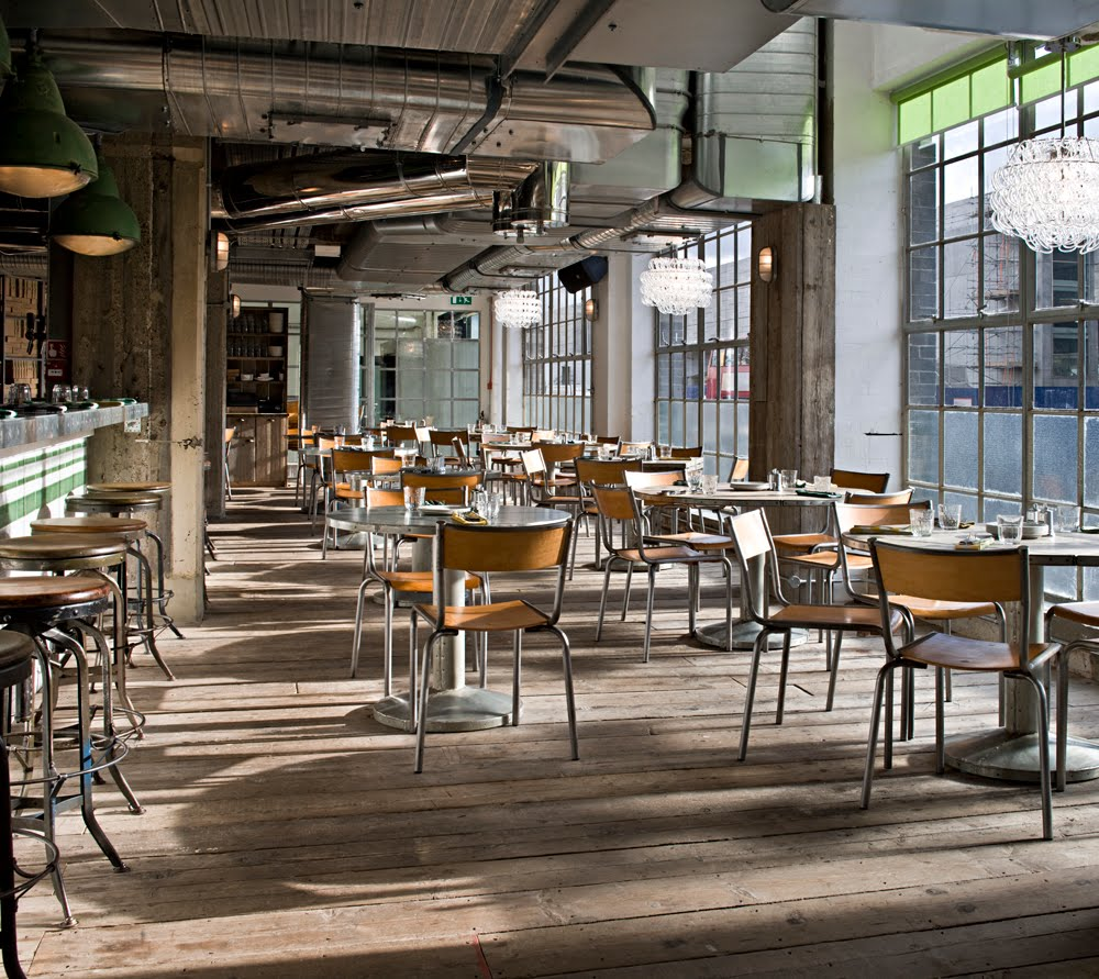 French Industrial Kitchen Design: The New Victorian Ruralist: Pizza Pie In The Sky