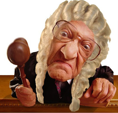 http://3.bp.blogspot.com/_QVd60vvrD2Q/SqbfDYchY3I/AAAAAAAAAYo/iXiTtDKWhsM/s400/judge.jpg