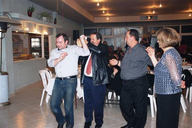 """Τα μέλη του ΔΣ """"σέρνουν"""" το χορό.."""