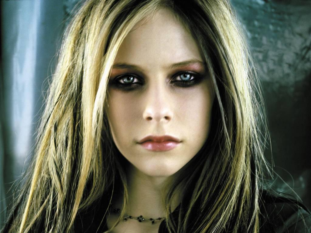 Avril Lavigne Sexy Wallpapers Free Download Bikini Sexy
