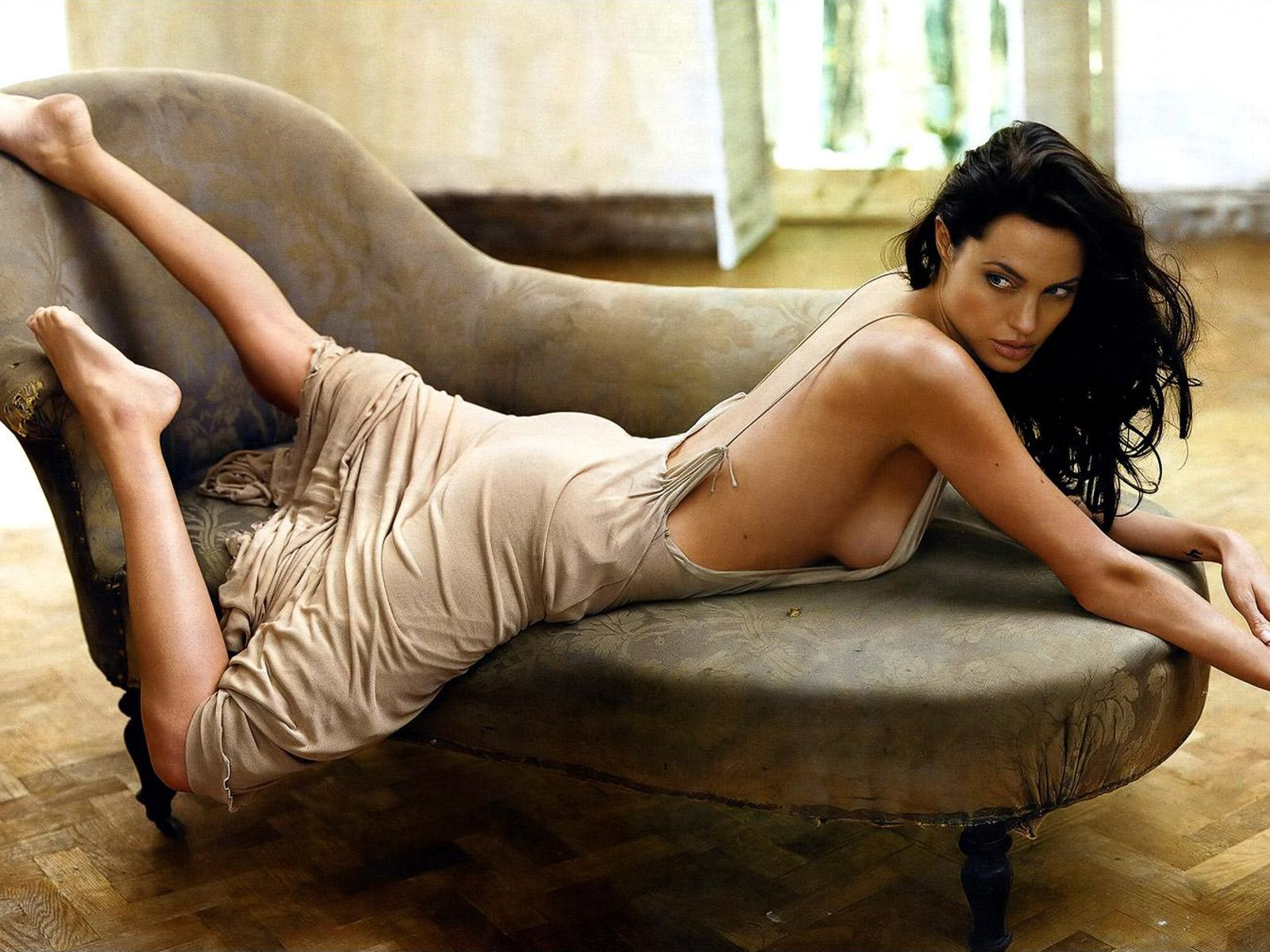 Angelina Jolie Hot Video And Photos