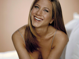 Free unwatermarked wallpapers of Jennifer Aniston at Fullwalls.blogspot.com