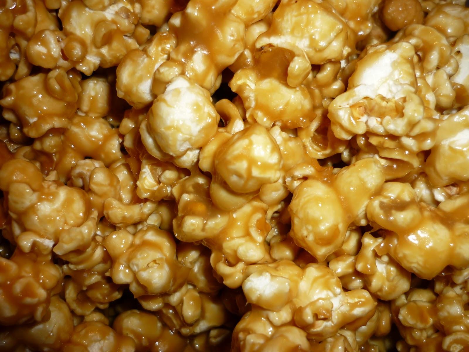 Snips & Spice: Gooey Caramel Popcorn