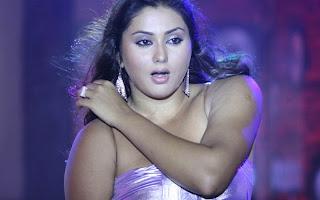 namitha - hot latest stills from hot tamil movie namithaz.blogspot.com