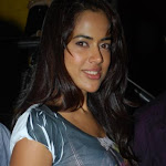 Sameera Reddy, Akshay @ De Dana Dan Preview show Exclusive Photo Gallery