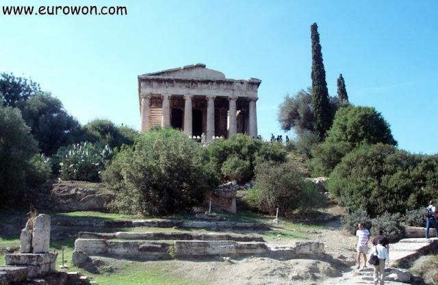 Ruinas del Templo de Hefesto en el Ágora Antigua de Atenas