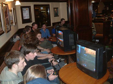 Halo 2 LAN Party 2007 - YouTube