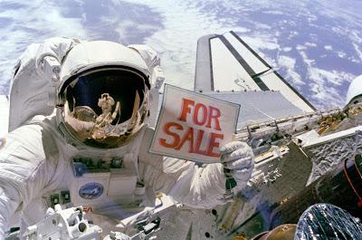 Se venden satélites