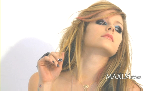 Download : http://www.filesonic.com/file/24616983/Avril Lavigne Maxim