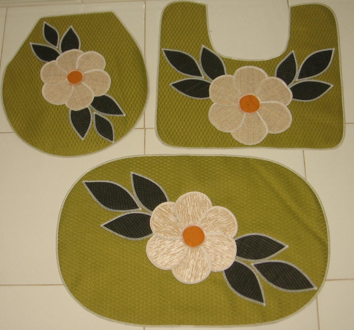 Jogo de banheiro 3 peças na cor verde com aplique antiderrapante. #B26219 1236 1152