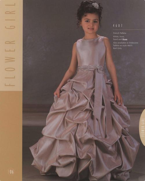 En Busca de la Belleza: vestidos para niñas 2010