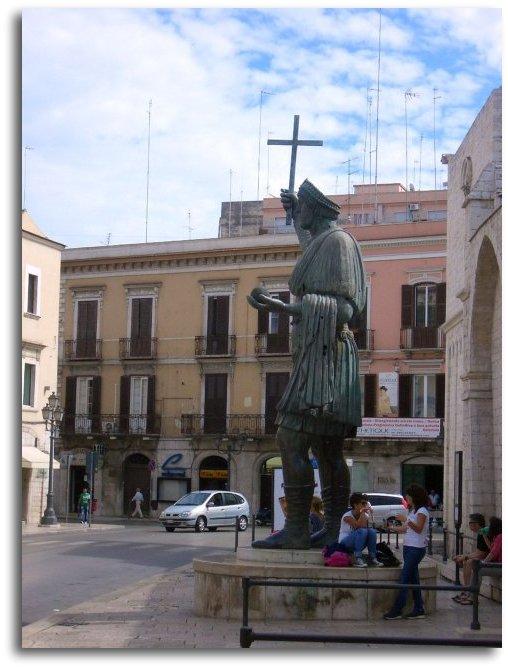 alfarano sindaco barletta statue - photo#19
