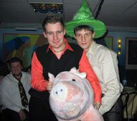 С новым годом свиньи!