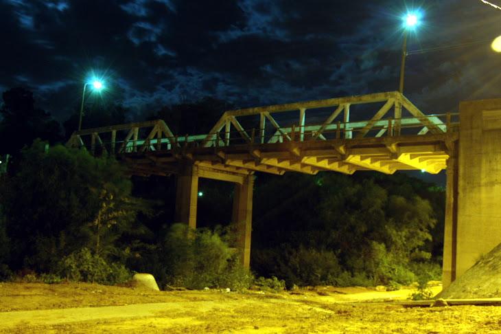 El puente 33 desde abajo...