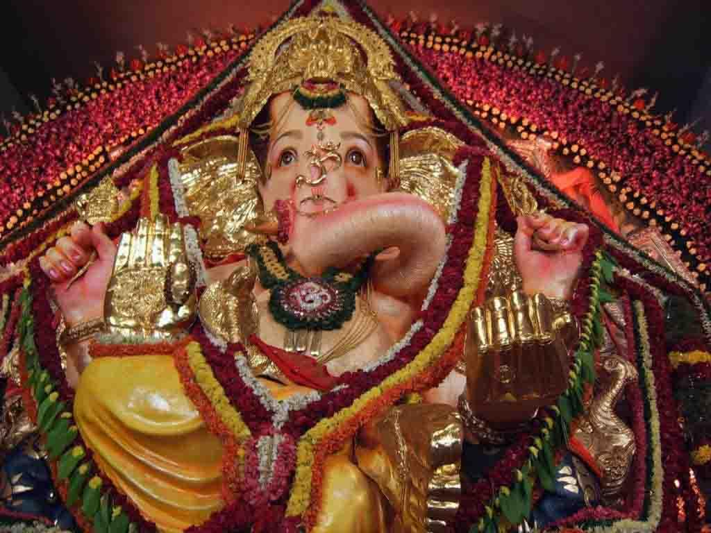 http://3.bp.blogspot.com/_Qlh9RCULHTM/TIpCSDKmmKI/AAAAAAAANG4/tGBLtnQvUKc/s1600/Ganesha_Wallpaper_Picture_04.jpg