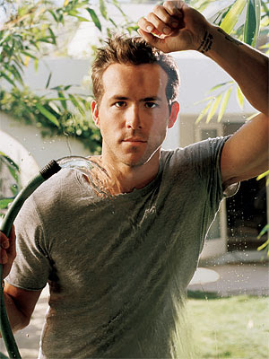 Ryan Reynolds Clothing on Gutter Gals  Ryan Reynolds Has Contracted Serious Case Of Scarlett