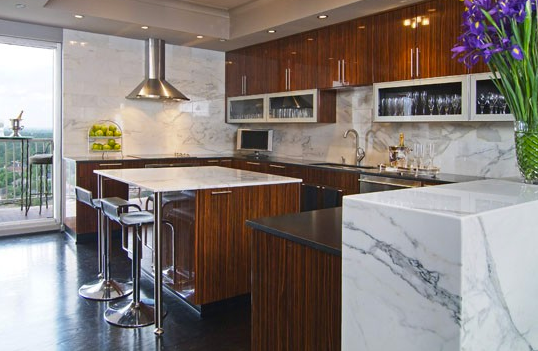 Solid slab backsplash