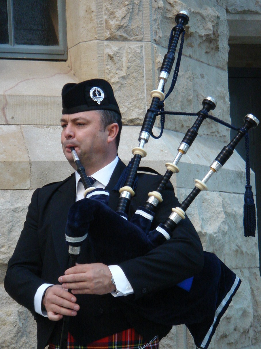 Playing Bagpipes - The Universe of Bagpipes