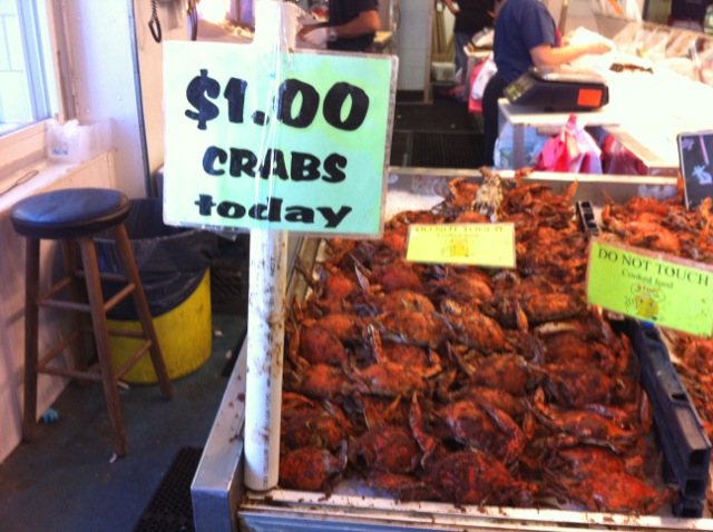 Howchow they 39 re giving away crabs at frank 39 s seafood for Jessup fish market