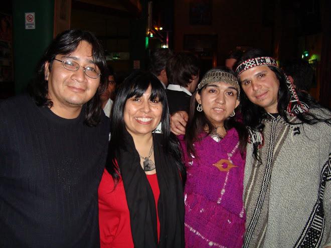 fotografia junto a hermanos durante el primer encuentro Mapuche en Bs as
