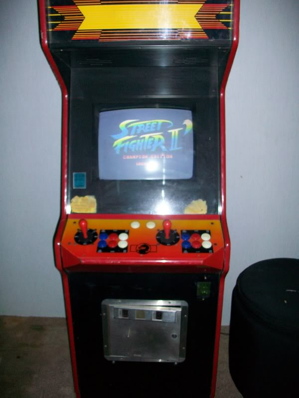 A friend of my Sister-in-law is selling a working cabinet of SF II Ch&ion Edition. & Laredo Street Fighter IV News: Local Street Fighter IIu0027 Arcade ...
