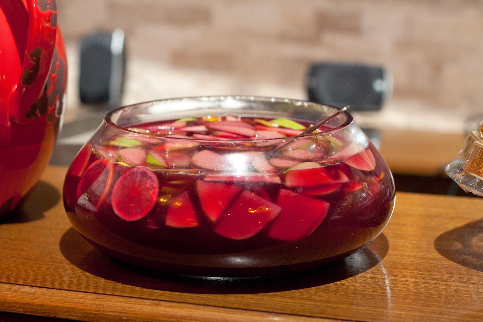 Kırmızı Şaraplı Ayva Tatlısı