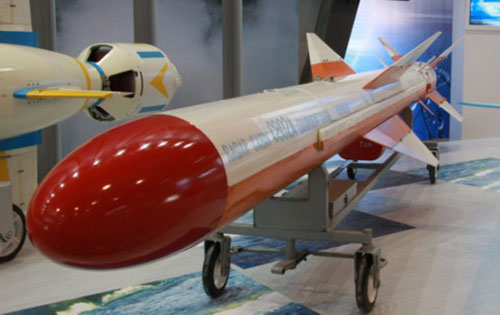 باكستان تعرض JF-17 Thunder مزوده