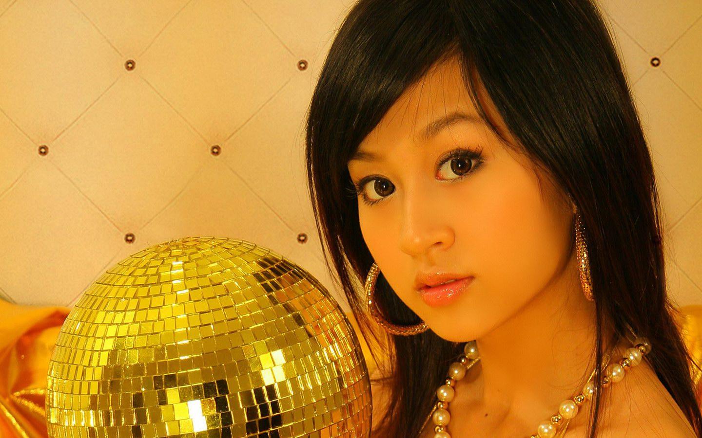Asian Cute Model Gold Bikini Model XXX Ghetto. October 6, 2010