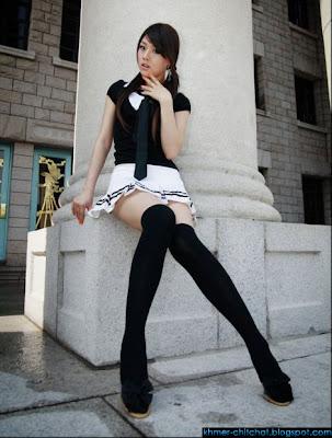 фото японок в белых чулках