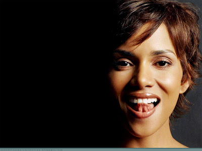 halle berry wallpaper. Cool Wallpaper Collection: