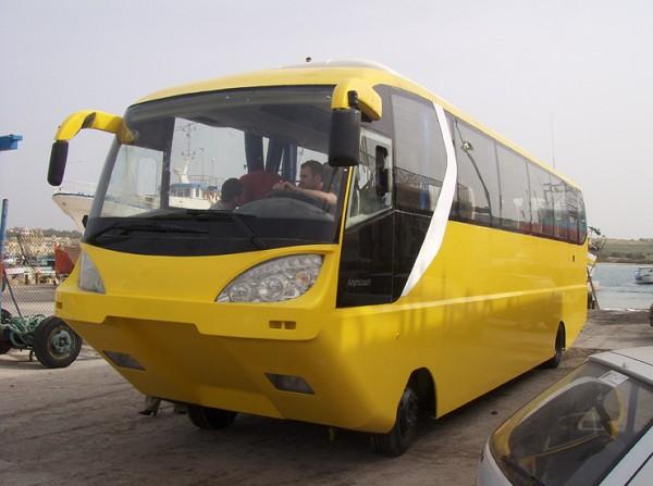 http://3.bp.blogspot.com/_QtH2zTVl70M/THakcR9xuhI/AAAAAAAAJiI/6Pz2q0EulB0/s1600/Amphibious_Coach03.jpg