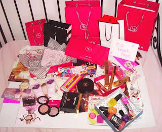 Elleheartsblogs' Giveaway