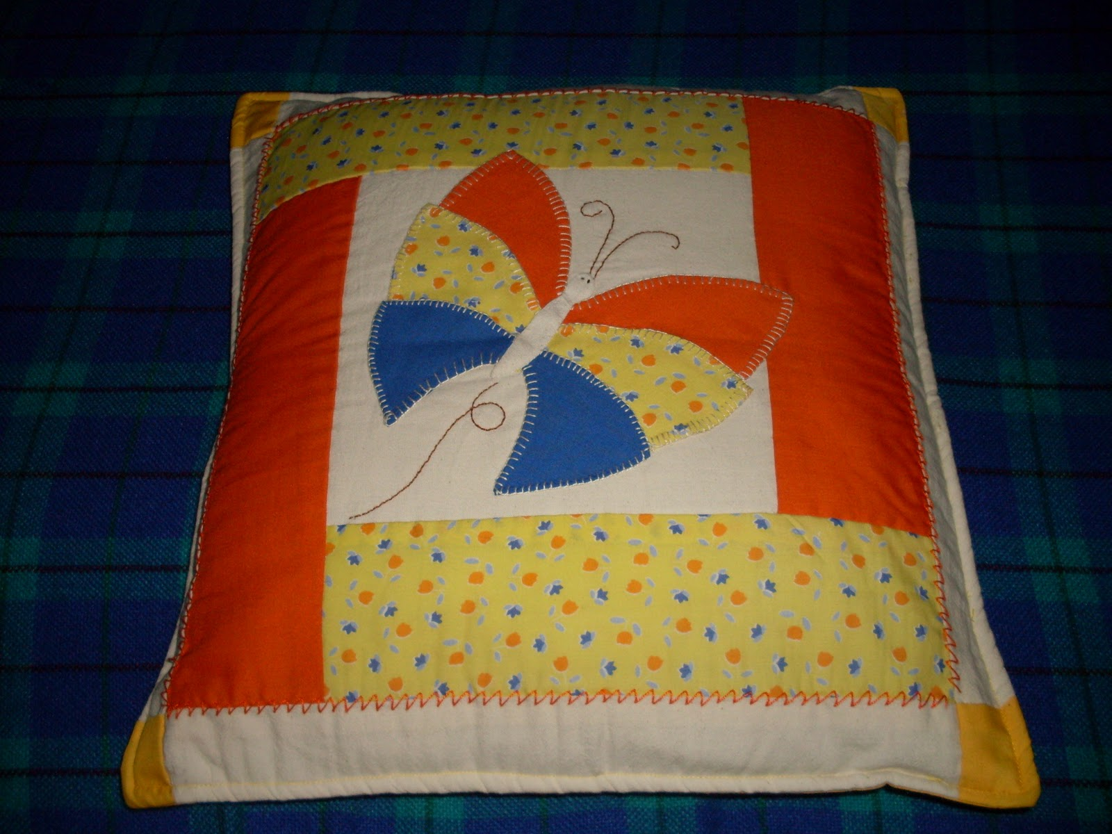 Taller creativo manualidades san jose cojines en patchwork - Cojines de patchwork ...