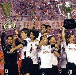 Doblete de Liga y UEFA en el 2004