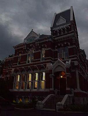猛鬼 公立圖書館