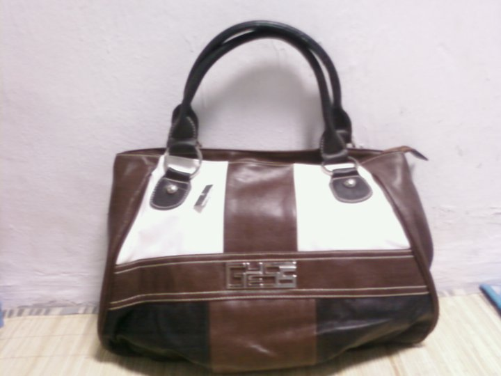 Tas Guess KW 1 PC. M 275rb (Kode 25 GS)