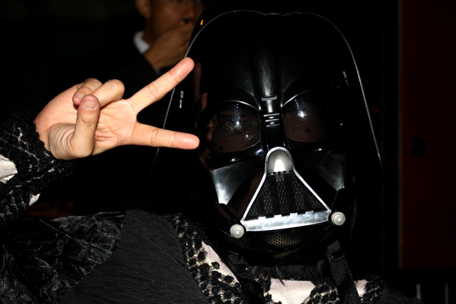 [moi+playing+with+vader]